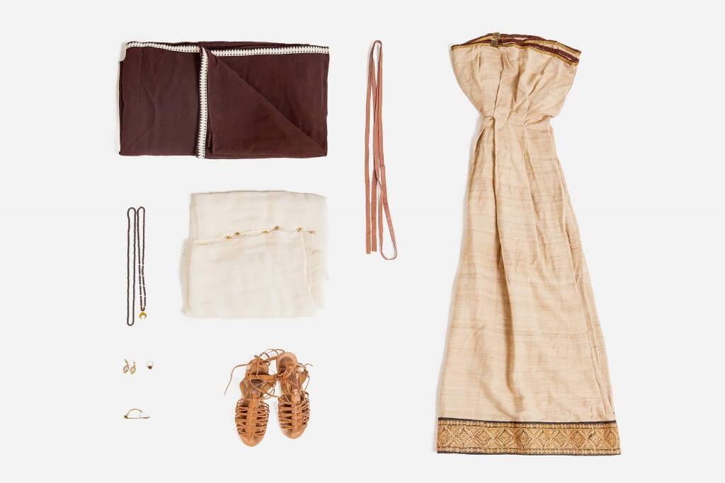Женский античный костюм в аренду