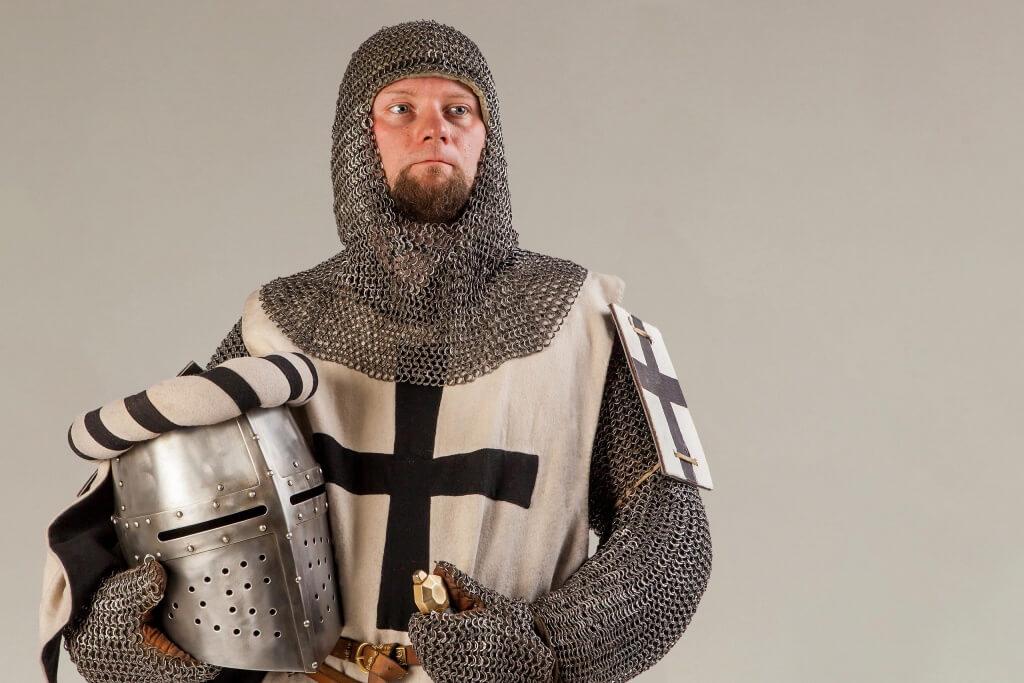 доспех и шлем рыцаря в аренду