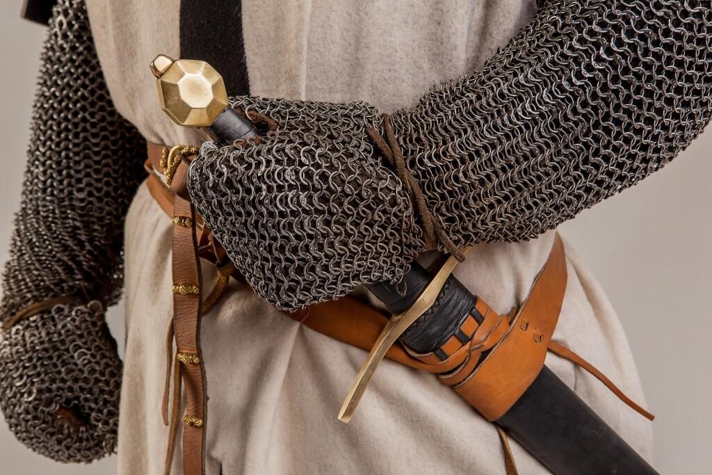 романский меч напрокат
